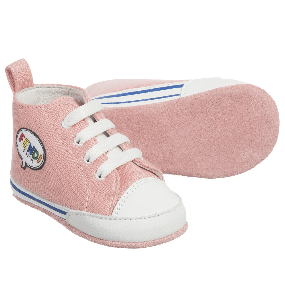 82803707077d37 3 pre-walkers for your baby girl - Prêt à Pregnant