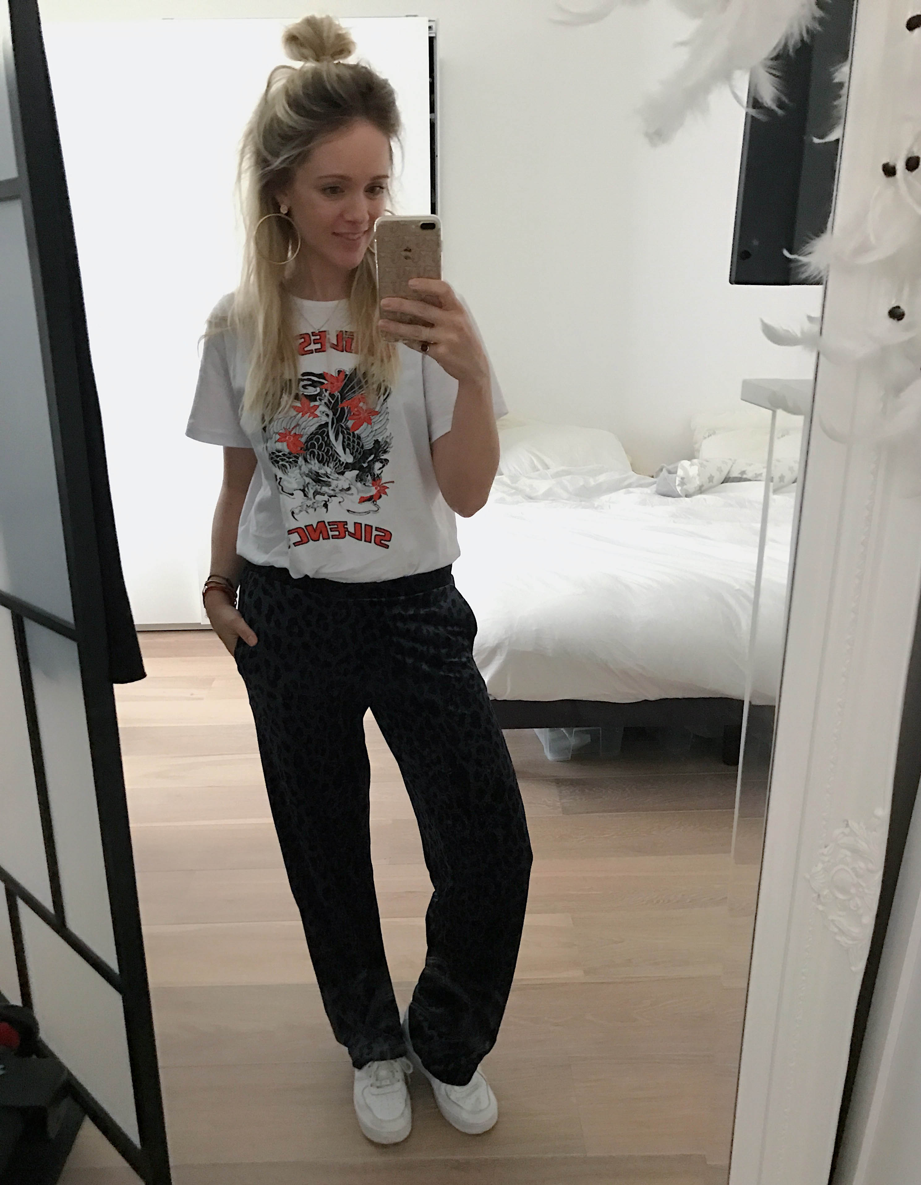 Stylist & Mom Lizet Greve shares her street style looks