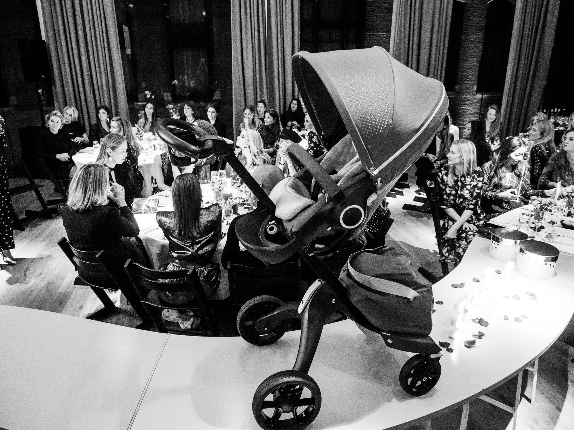 Stokke_TRIPPTRAPPDINNER_Pretapregnant_the-mom_BMW_by_Marinke_Davelaar-468